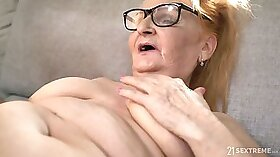 Black mature play with her pussy