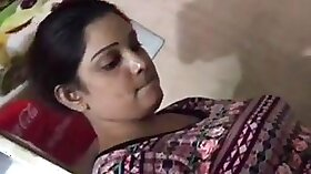 Desi village aunty kissing seethi