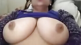 Arabian granny exposing her boobies for webcam