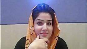 Hijab wearing camgirl wants that big dick