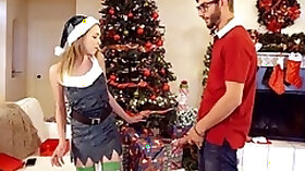 Stepsister Angel Smalls gives a blowjob and gets fucked under the Xmas tree