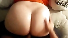Curvy girl pulls her pants down and gets her ass drilled doggystyle