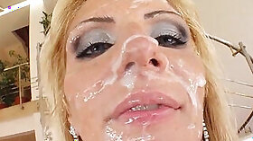 Cumming in Snapchat. The managers shower on me - Cindy and Sella Red